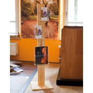 """Дървена стойка за брошури """"H1"""", основа"""
