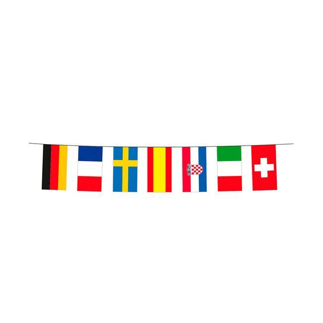 Гирлянд с флагчета на участниците в Европейското първенство по футбол 2020