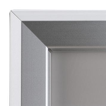 Тротоарна табела с индивидуална челна табела